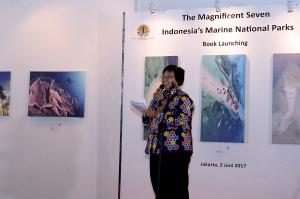 "Menteri LHK Luncurkan Buku ""The Magnificent Seven: Indonesia's Marine National Parks"""